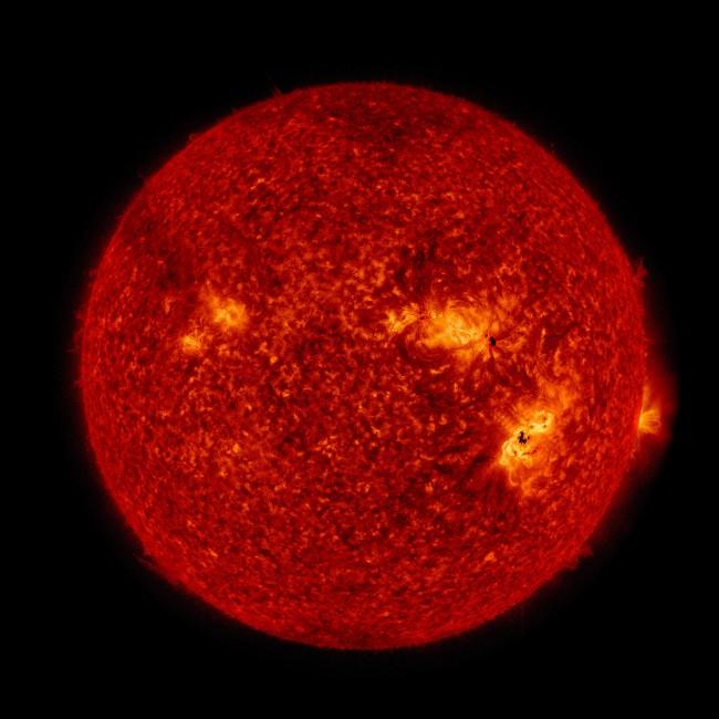 지난 9월 6일 발생한 태양 섬광현상(플레어). 동반된 물질분출현상(CME)의 영향으로 현재 지구에 지자기폭풍이 진행중이다. - NASA SDO 제공
